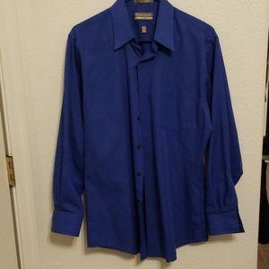 Men's Van Heusen blue pin stripe button down shirt